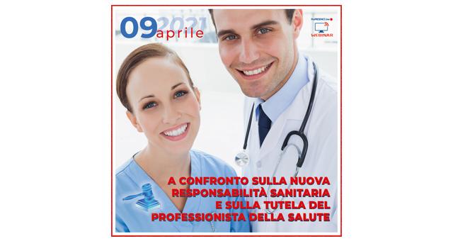 Un dottore e una infermiera sorridenti.